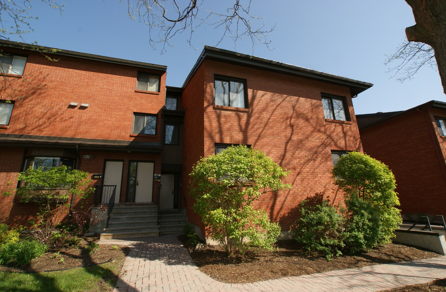 35I Robinson Ave  – Sold July 2014