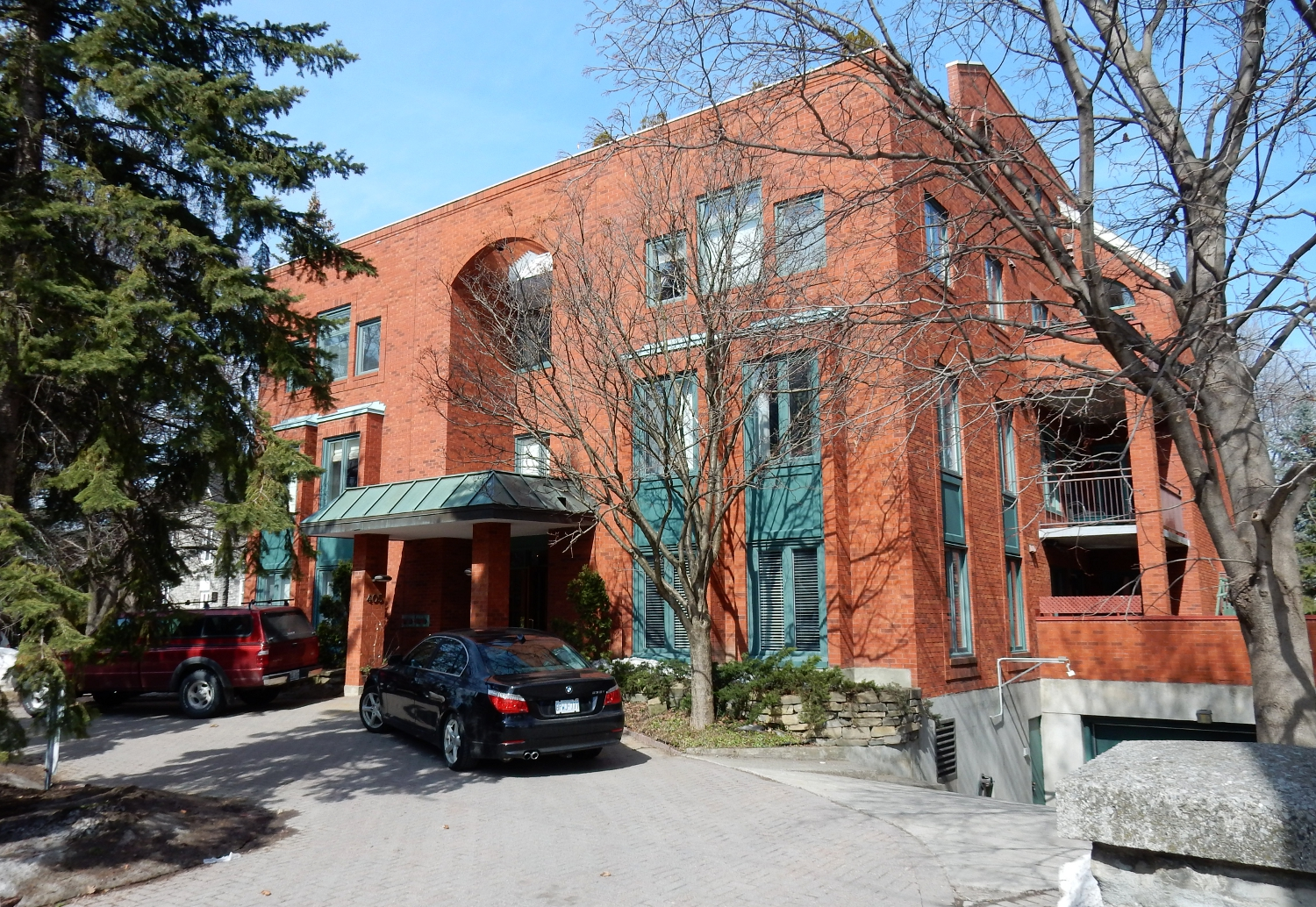 405 Laurier Ave E #4 – Rented December 2014