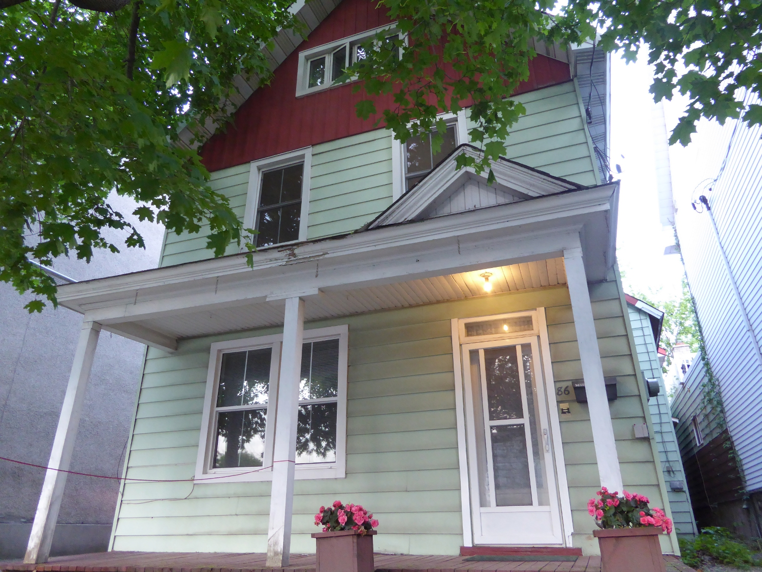86 Bruyère St – Sold August 2015