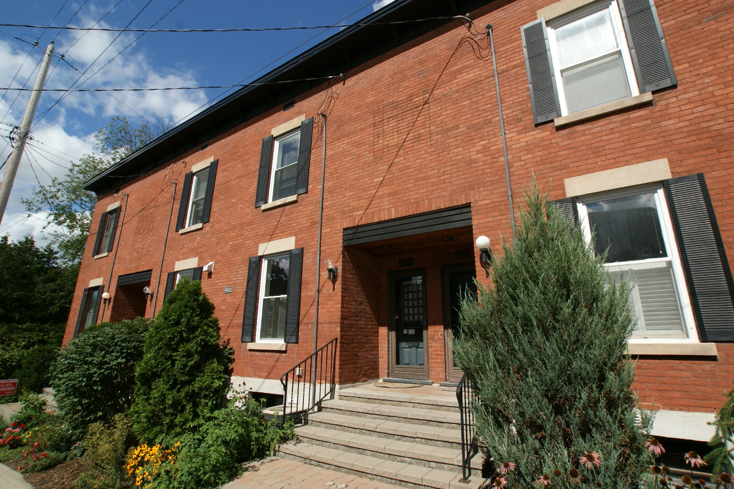 369 Templeton St – Rented October 2015