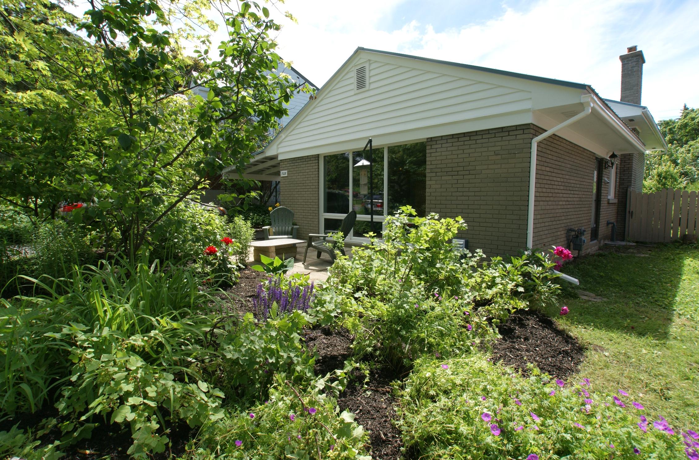 1328 Snowdon St – Sold June 2017